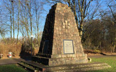 Marodes Denkmal am Altrahlstedter Stieg wird restauriert