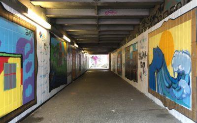 Aus alt mach neu: Schülerinnen und Schüler haben Bahnhofstunnel aufgehübscht