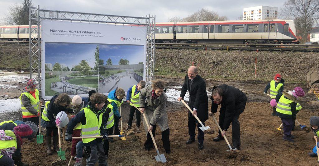 Feierlicher Spatenstich für den Bau des neuen U-Bahnhofs Oldenfelde