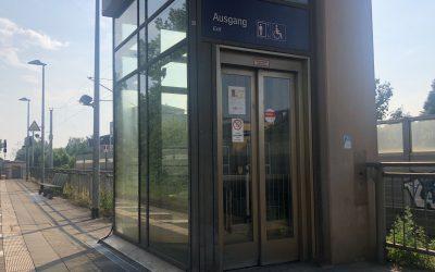 Schon wieder: Aufzug am Bahnhof Rahlstedt monatelang außer Betrieb