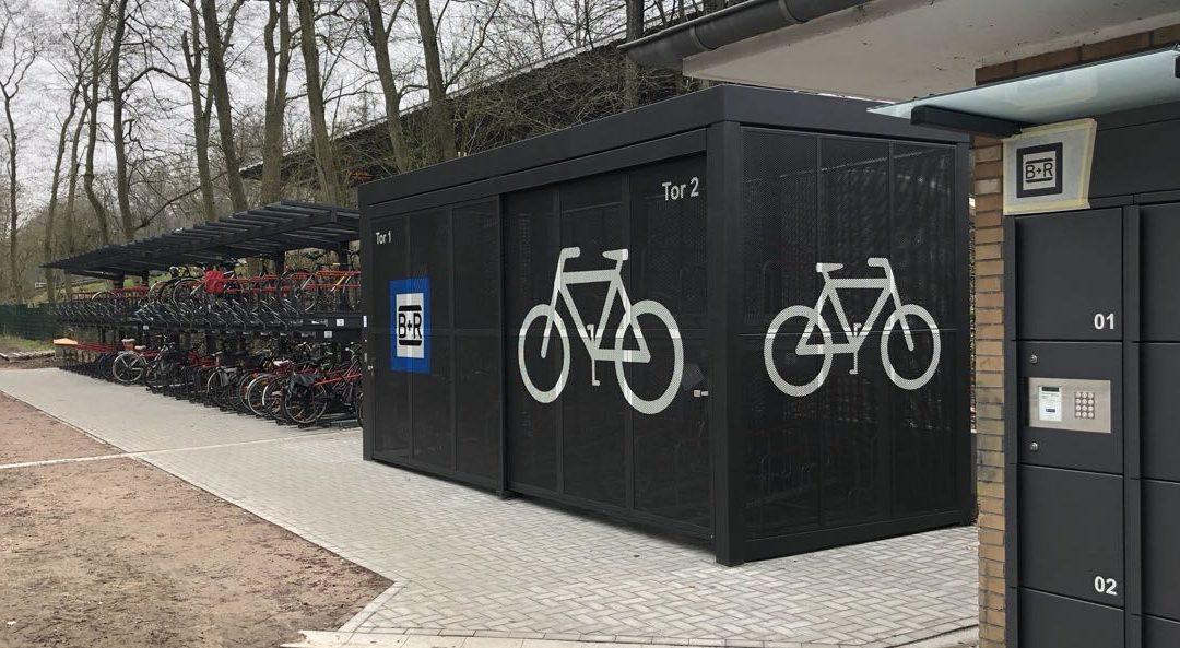Im Bau: Rund 300 neue Fahrradstellplätze an der U-Bahn-Station Meiendorfer Weg