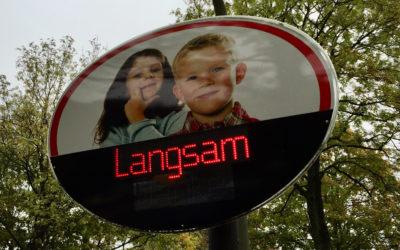 Mehr Sicherheit auf Wandsbeks Straßen: Geschwindigkeitsmessungen durch Dialog-Displays