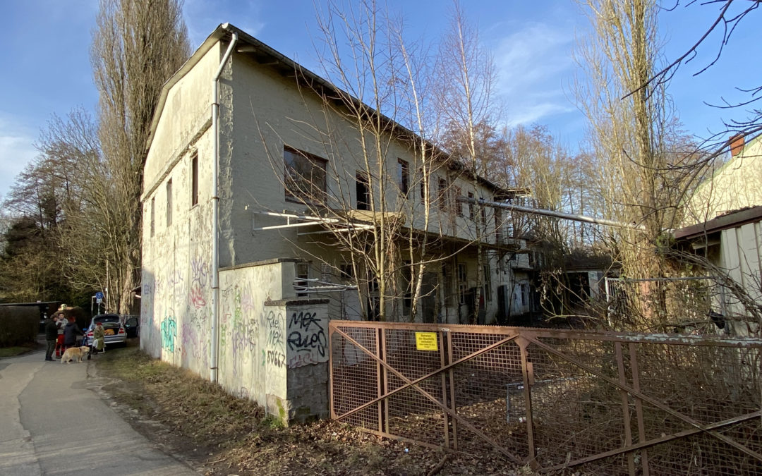 Alte Lackfabrik: Brand im Dachstuhl, Einigung über Verkauf zeichnet sich ab